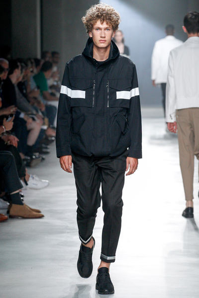Neil Barrett Spring 2018 Ready-to-Wear - Look #11