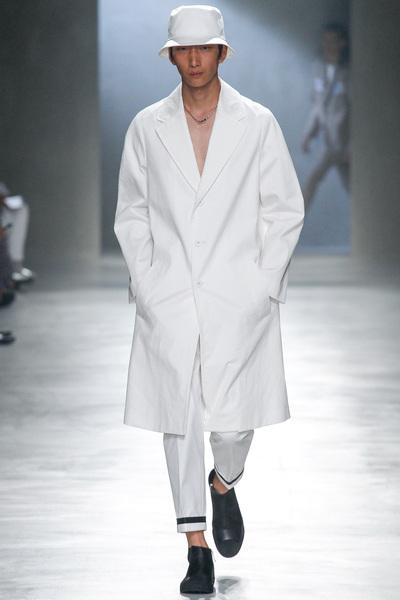 Neil Barrett Spring 2018 Ready-to-Wear - Look #4
