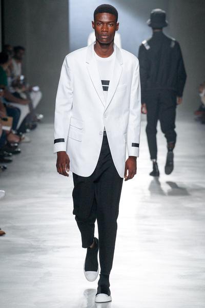 Neil Barrett Spring 2018 Ready-to-Wear - Look #6