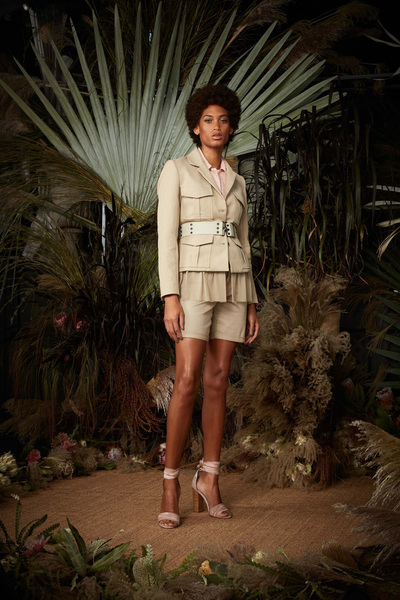 Nicole Miller Spring 2018 Ready-to-Wear - Look #9