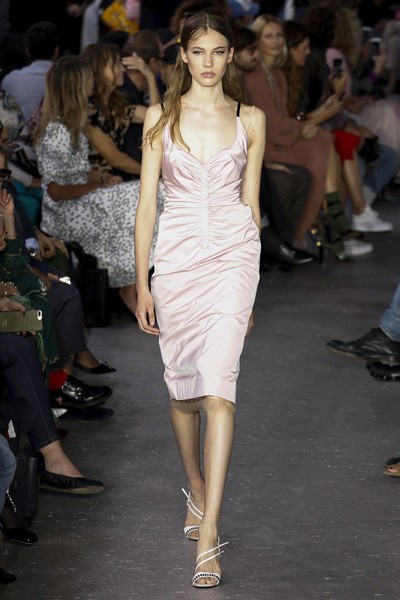 NO. 21 Spring 2018 Ready-to-Wear - Look #1