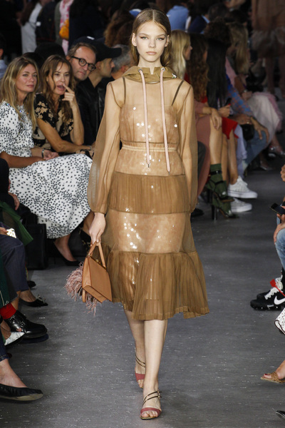 NO. 21 Spring 2018 Ready-to-Wear - Look #18