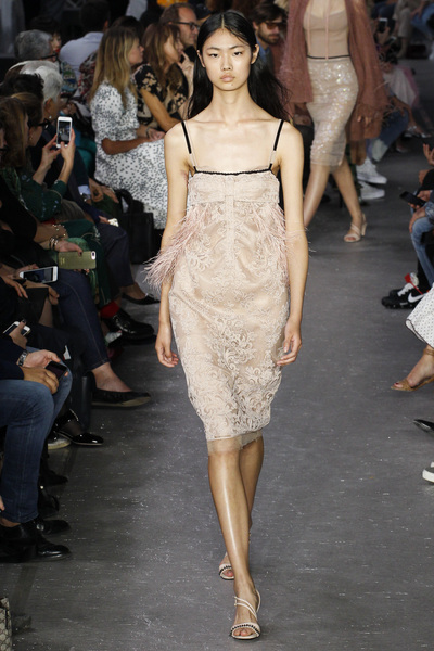 NO. 21 Spring 2018 Ready-to-Wear - Look #8