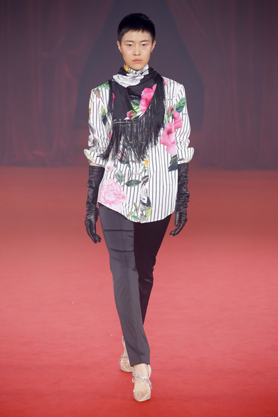 Off White Spring 2018 Ready-to-Wear - Look #18
