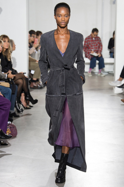 Olivier Theyskens Spring 2018 Ready-to-Wear - Look #21