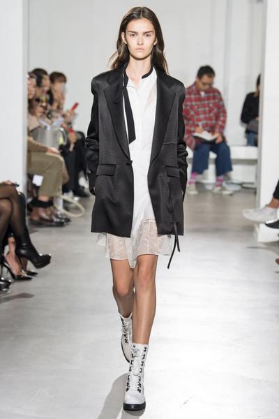 Olivier Theyskens Spring 2018 Ready-to-Wear - Look #22
