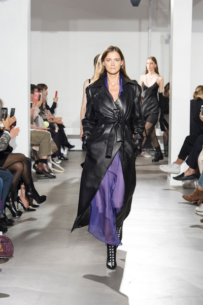 Olivier Theyskens Spring 2018 Ready-to-Wear - Look #34