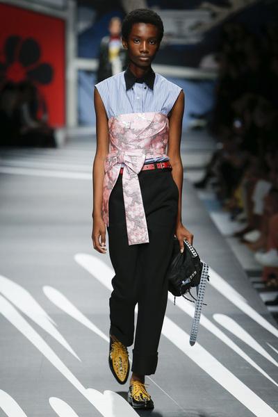 Prada Spring 2018 Ready-to-Wear - Look #6