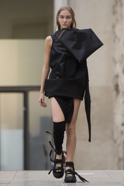 Rick Owens Spring 2018 Ready-to-Wear - Look #12