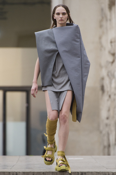 Rick Owens Spring 2018 Ready-to-Wear - Look #15
