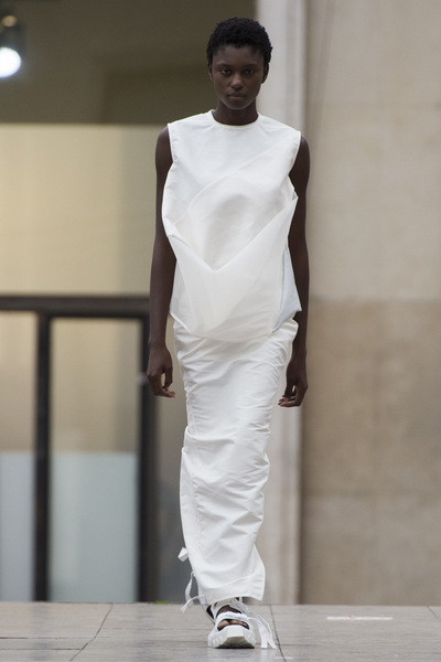 Rick Owens Spring 2018 Ready-to-Wear - Look #17