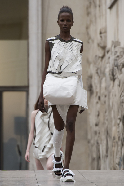 Rick Owens Spring 2018 Ready-to-Wear - Look #21