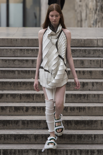 Rick Owens Spring 2018 Ready-to-Wear - Look #22