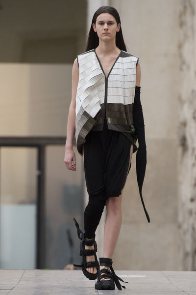 Rick Owens Spring 2018 Ready-to-Wear - Look #25