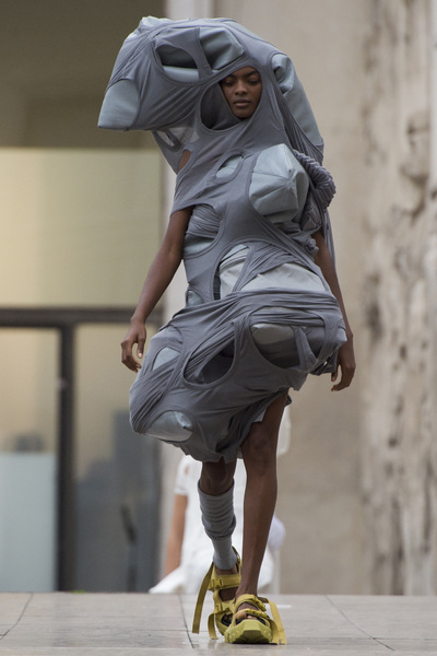 Rick Owens Spring 2018 Ready-to-Wear - Look #39