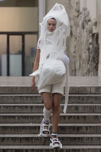 Rick Owens Spring 2018 Ready-to-Wear - Look #40