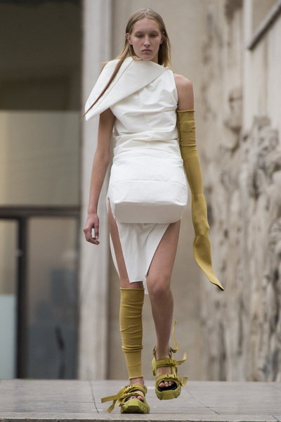 Rick Owens Spring 2018 Ready-to-Wear - Look #8
