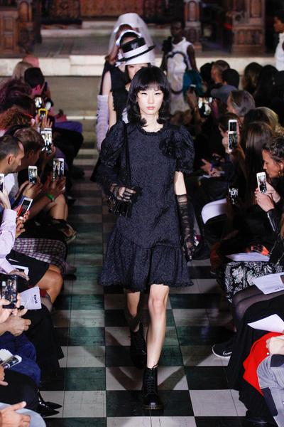 Ryan Lo Spring 2018 Ready-to-Wear - Look #30