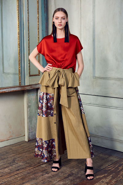 Sachin & Babi Resort 2018 - Look #15