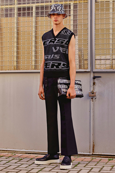Versus Versace Resort 2018 - Look #30