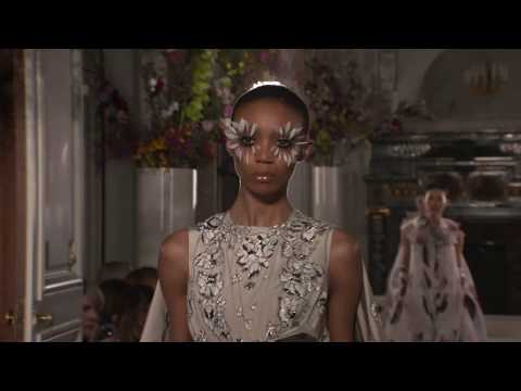 VALENTINO HAUTE COUTURE SPRING/SUMMER 2019 COLLECTION video cover