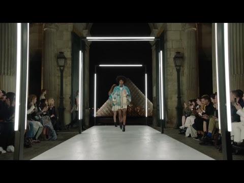 Louis Vuitton Women's Spring-Summer 2019 Show video cover
