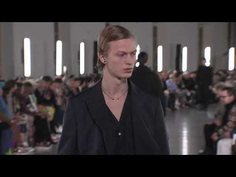 VALENTINO MEN'S FALL/WINTER 2019-20 COLLECTION video cover